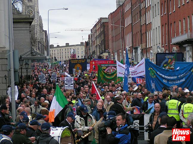 100,000 on Dublin march to support Irish Ferries SIPTU members 9.12.05