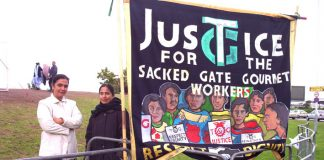 Gate Gourmet sacked workers out on the picket line yesterday, angry at the proposed settlement and determined to reject it