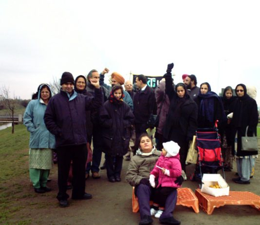 Last Sunday's picket on the hill near to the Gate Gourmet plant