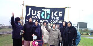 Locked-out Gate Gourmet workers picketing despite the cold weather