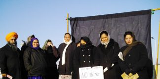 Despite the intense cold pickets were out yesterday on the hill at Heathrow near to the Gate Gourmet plant