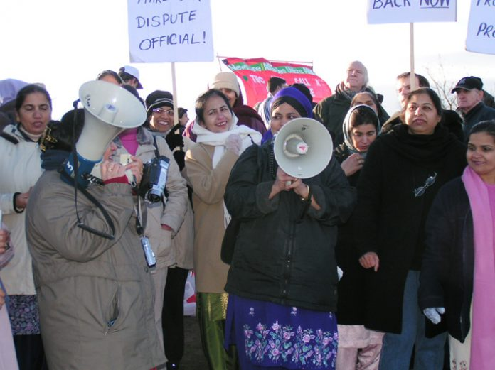 Locked-out Gate Gourmet workers on the picket line over Christmas – confident of victory in 2006