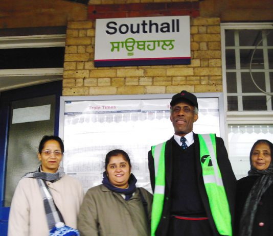 Gate Gourmet locked-out workers at Southall station winning support campaigning for their conference