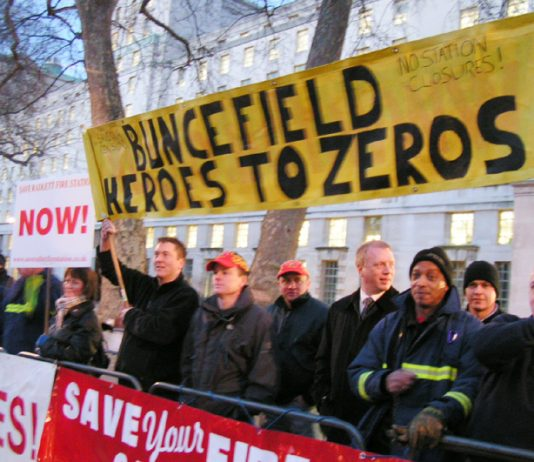 FBU members and residents from the Buncefield area picketing 10 Downing Street on Wednesday night