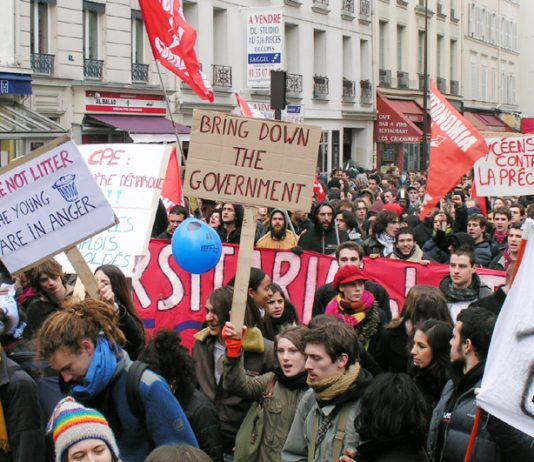 A section of yesterday's mass demonstration of student and school youth marching to demand that either the CPE first job contract must go or the government will be brought down