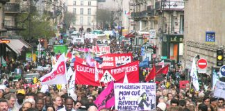 25,000 workers and youth marched through Paris on Saturday against against new plans to impose racist immigration laws. A million-strong May Day march is expected today