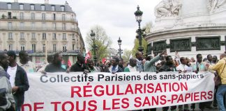 Paris refugees and immigrant workers demand papers to live in France