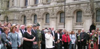 Military families at the Cenotaph in London are opposed to Bush and Blair's wars in Iraq and Afghanistan