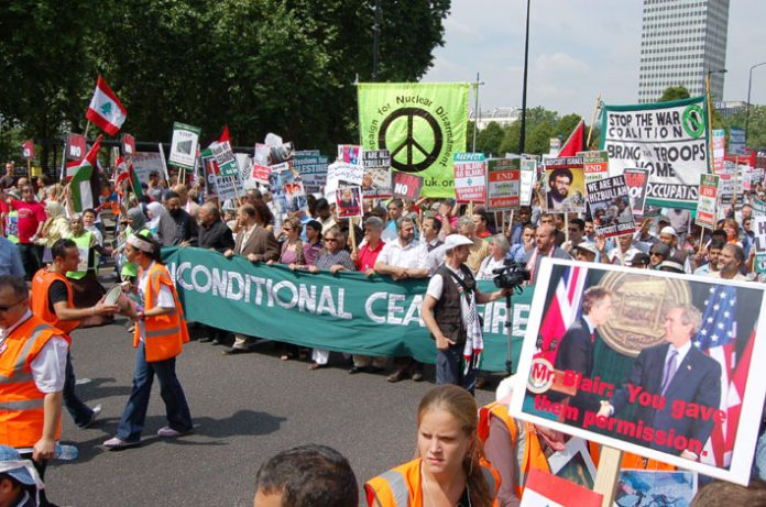 The front of Saturday's 100,000-strong march against Israel's war on the Lebanon leaves Hyde Park