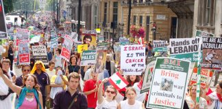 Young people condemn Israel in last Saturday's 100,000-strong march in London