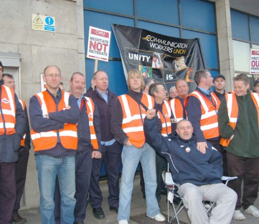 CWU pickets in Luton yesterday morning