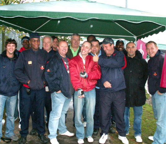 Yesterday's rain didn't dampen the spirit of CWU pickets at the East London Mail Centre