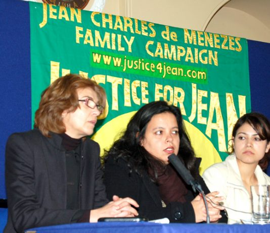 Patricia da Silva Armani (centre) addressing Thursday's press conference by the family of Jean Charles de Menezes, with Vivian Figueiredo (right) – both cousins of Jean Charles