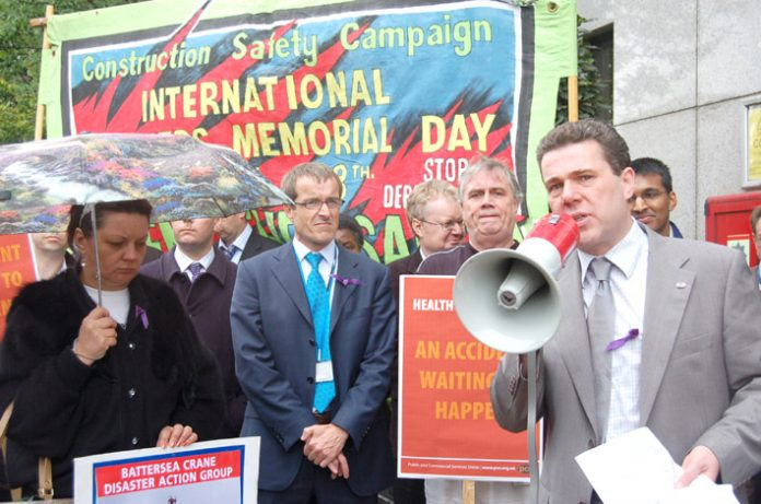 PCS leader Mark Serwotka addresses the Workers Memorial Day Rally on Monday morning