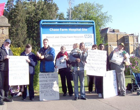 North East London Council of Action pickets outside Chase Farm Hospital at 7.00am