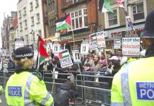 Up to 1,000 workers and young people turned up to picket the Israeli Embassy yesterday afternoon and were faced by large numbers of police