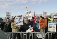 Construction workers picketing outside the Isle of Grain power station in Kent yesterday morning