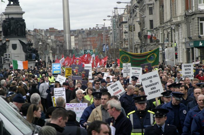 Section of the 125,000-strong Dublin demonstration on February 21 called by the Irish Congress of Trade Unions in defence of jobs and wages