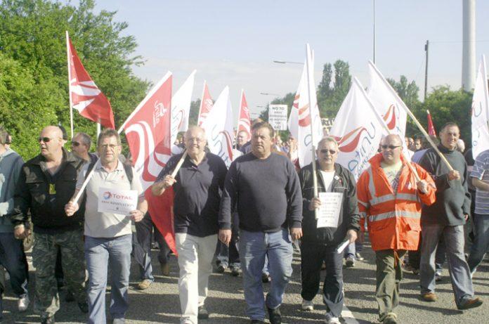 Sacked Lindsey workers and their supporters marching on Tuesday in a 2,000-strong show of strength