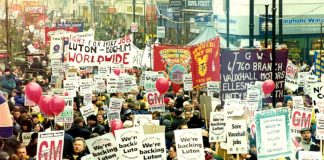 Over 20,000 workers, including GM workers from Germany, marched through Luton against the closure of thauxhall plant in 2001.