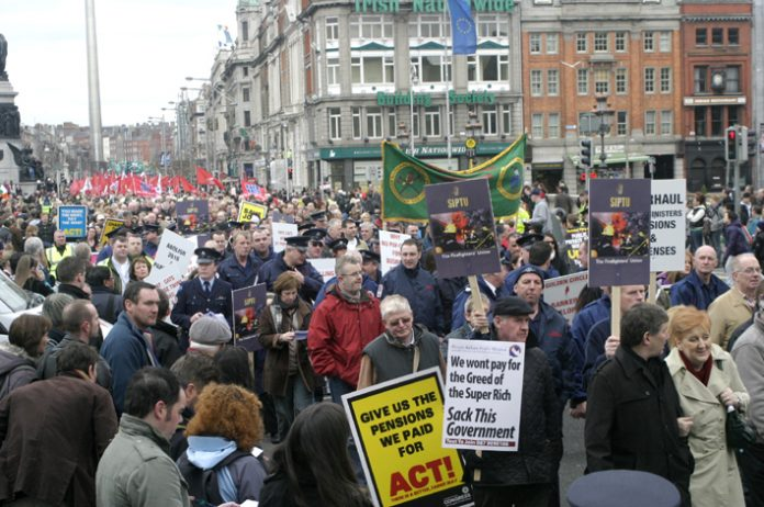 A section of the February 21 demonstration in Dublin against the Irish government's attacks on jobs and wages