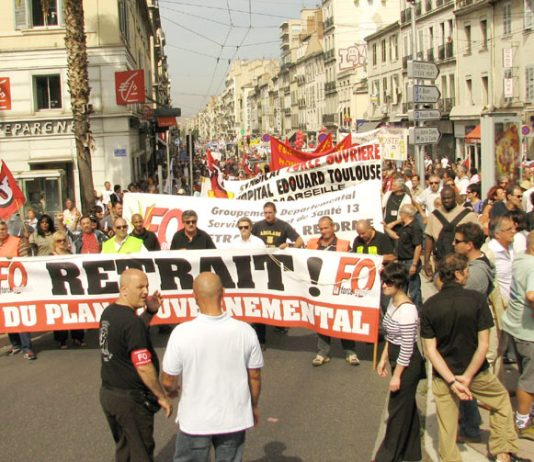 Above and below right: 250,000 march in Marseille against the Sarkozy government's plans to raise the pension age to 62