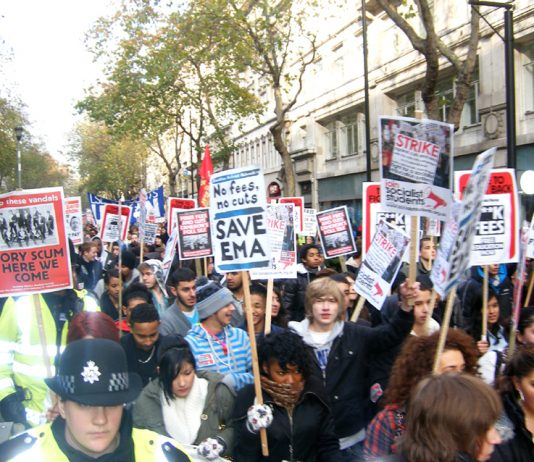 Students marching in London against the abolition of the maintainence allowance on November 30