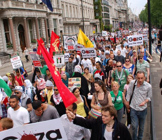 A section of the 5,000-strong march in London on June 5th 2009 after the Israeli attack on the Mavi Marmara