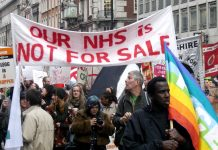 Health workers marching to defend tthe NHS