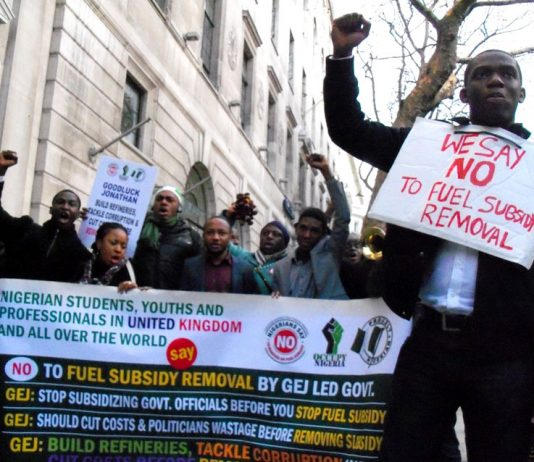 Angry students and youth organised a mass picket of the Nigerian embassy last Friday