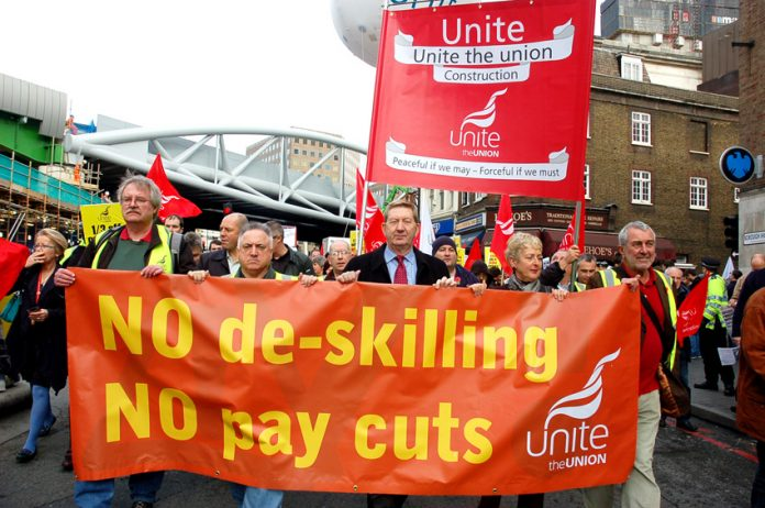 McCluskey  leads the national march of Balfour Beatty Electricians through central London against 35% wage cuts and de-skilling