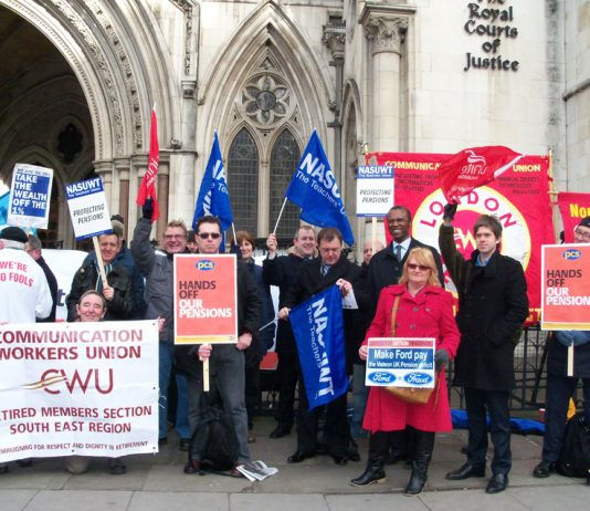 Ex-Ford/Visteon workers and a PCS delegation at the Royal Court of Justice