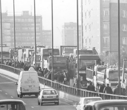 Fuel protest convoy arriving in London in the year 2000 – the government is planning to use the army against a tanker drivers strike next month