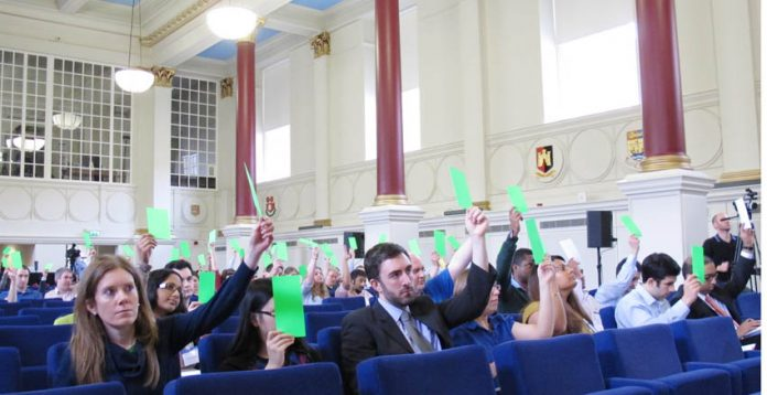 Junior doctors voting to demand Lansley's resignation