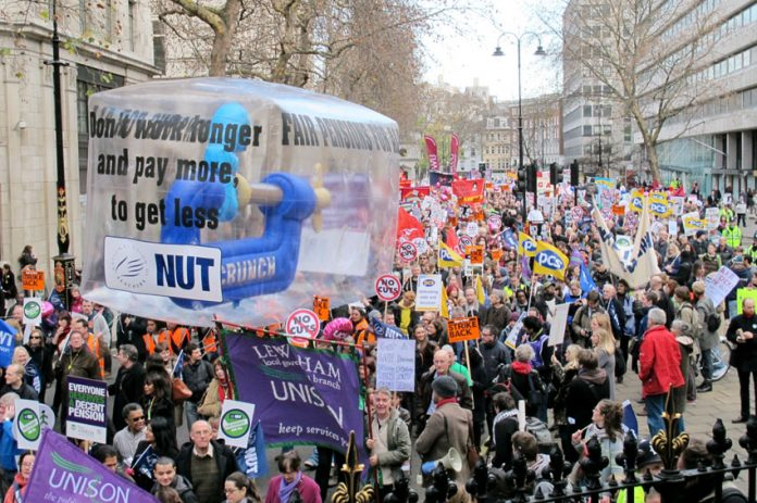 Trade unionists fighting pensions cuts – not prepared to work longer, pay more and get less