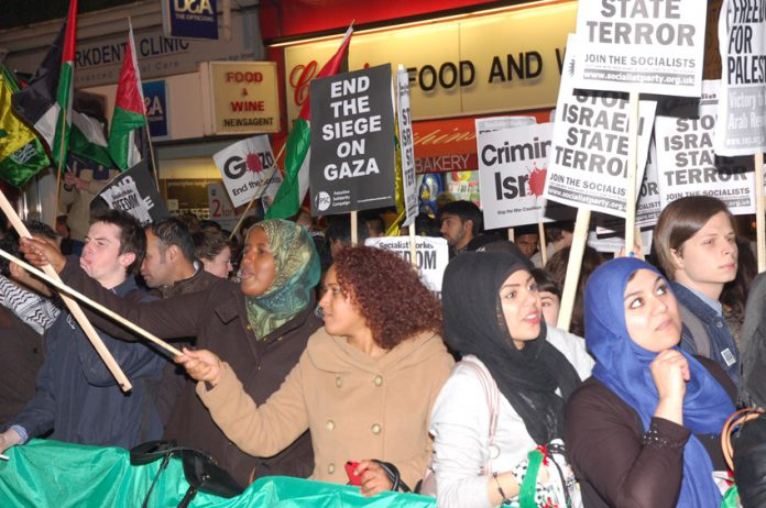 A section of the 2,000 strong picket of the Israeli embassy last Thursday which denounced Zionist terrorism
