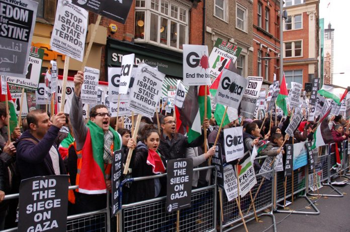 The Israeli Embassy picket in London during the latest Gaza bombings on November 17