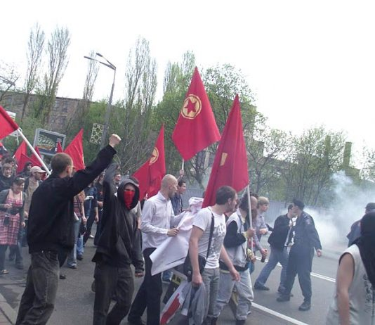 A May Day march in Lvov, fighting against the Orange-allied fascists