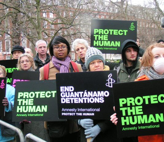 US embassy protest in London demanding an end to Guantanamo prison detentions
