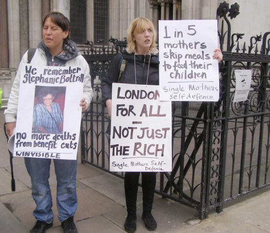 Single parents outside the High Court protesting against the savage cuts in benefits