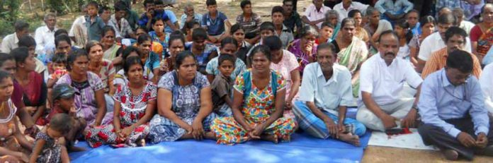 Champoor residents at the protest demanded that they be allowed to resettle in their own lands in Moorthoor East