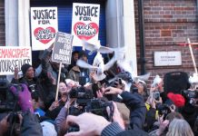 The Duggan family release doves at the end of the vigil outside Tottenham police station to emphasise the peaceful, but very determined nature of their protest