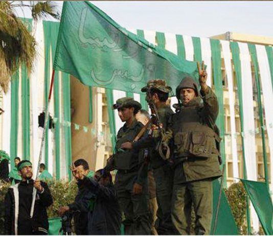 Pro-Gadaffi Libyan Green resistance fighters are gaining support across the country
