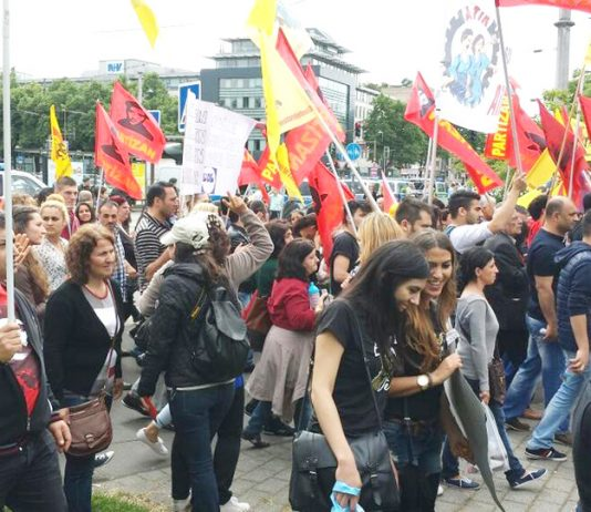 A section of workers and youth at one of the huge anti-Erdogan demonstrations in Cologne on Saturday