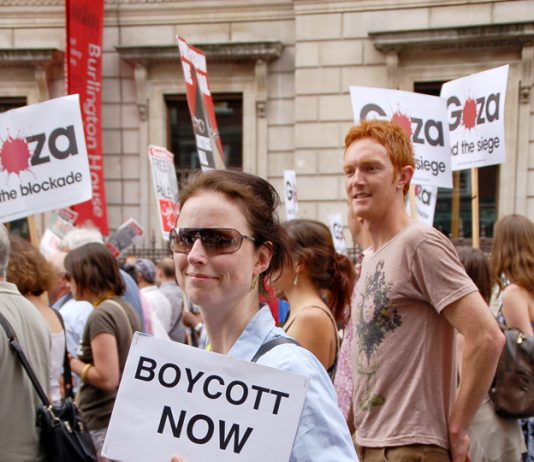 Protester marching in London for a boycott of Israel