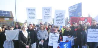 NASUWT and NUT members on strike in March 2013 at the Alec Reed Academy in Ealing