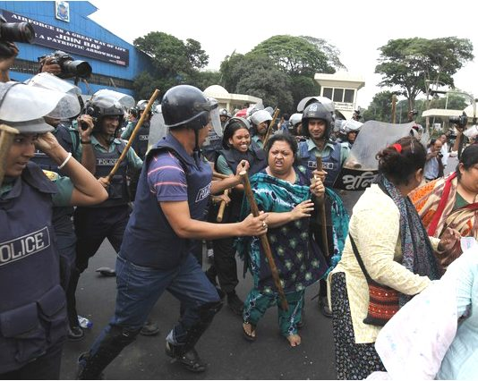 Police attack striking garment workers