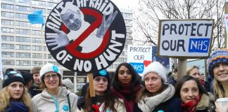Junior doctors on the picket line at St Thomas' Hospital are not afraid of Health Secretary Hunt