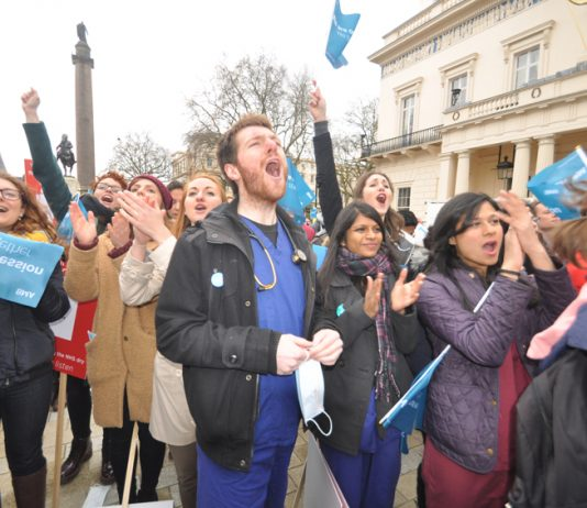 Junior doctors out in force on a demonstration three days before their last strike on February 10th – this time they are out for 48 hours