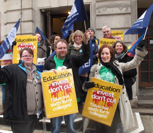 Nut members  fighting against government cuts to Sixth Form Colleges